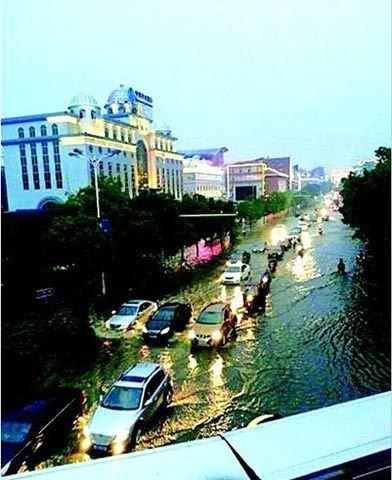 5月14日18时10分至21时30分,湖北当阳遭受暴风雨灾害,全市因灾经济损失5000万元。