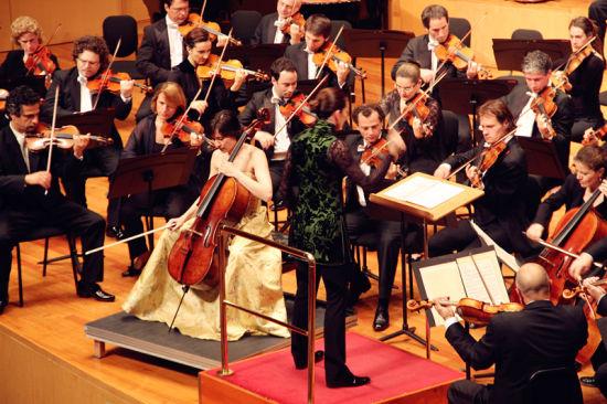 两美女v美女法国图卢兹管弦乐团古典音乐惊艳美女久脖子图片