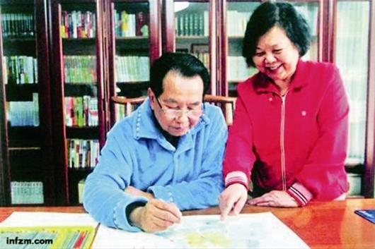 在夫人张锦裳的建议下,从未学过美术的吴官正今年年初研习了铅笔画,《闲来笔潭》一书收录了他的几十幅作品。 人民出版社供图