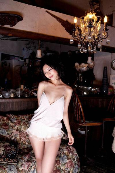 最新日韩性爱_日本最佳性爱女星坛蜜迷人性感大尺度写真