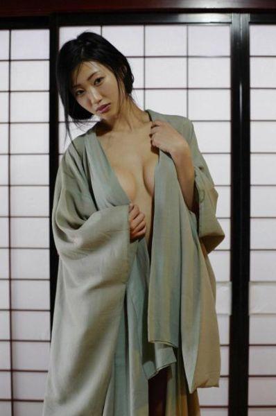 日本最佳性爱女星坛蜜夺冠