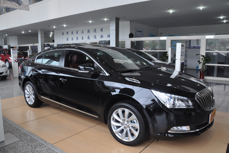 全新君越车身长宽高尺寸分别为5005mm、1858mm和1500mm,相对于现款车型长度增加5mm,高度增加3mm,轴距同现款车型相同,为2837mm。