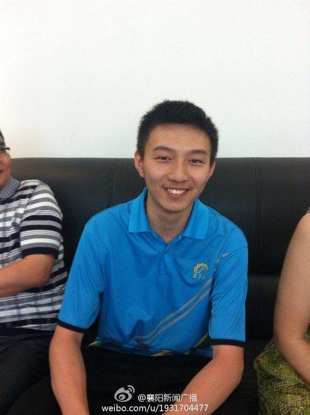 湖北2013高考理科状元贺维艺,也来自襄阳五中。