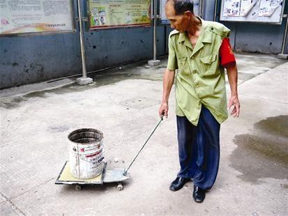 涂大彪利用废物改造的工具