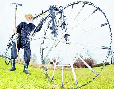 草耙打造新奇自行车