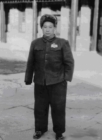 解放初期的独臂将军贺炳炎