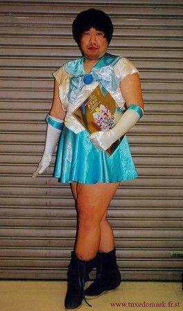 就算打扮很淑女,看起来还是怪蜀黍一个!(示意图,台湾东森电视台网站)