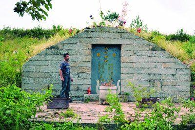 南宋岳飞四子岳震、五子岳霆之墓,已被列为黄冈市文物保护遗址。