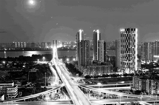 图为:武汉豪宅中,江景房的比例不小