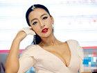 组图:武汉女孩曹阳被誉中国第一车模爆乳吸睛