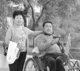 范兴泉和李心冀见面时合影留念 本人供图
