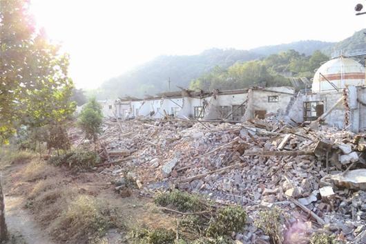 被铲除的房屋全景摄影杨翼远