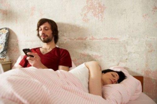 两性心理男人爱摸女人胸部的10条理由