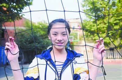 佛山16岁冠军高中生苦练1个月夺高中比赛模特实验武汉美女图片