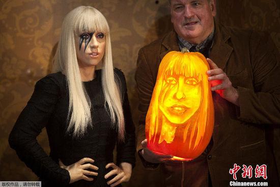 纽约杜莎馆大师雕刻南瓜版Lady Gaga