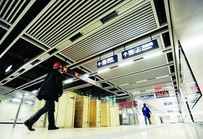 地铁四号线工业四路站。记者陈亮 摄