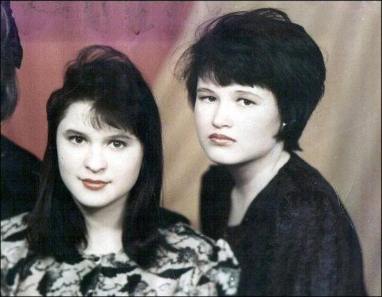 受害者尤莉亚·卡普里科娃和唐雅·马汀诺娃,这对好友1998年被波普科夫杀害。