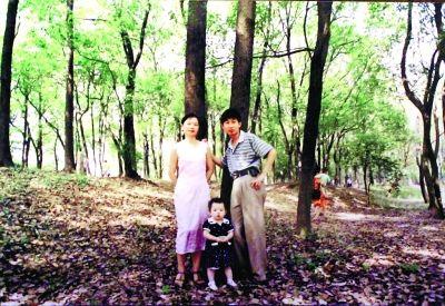 1999年,两人变成三人,女儿3岁