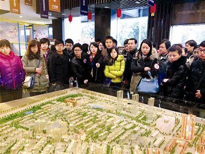 图为:进入3月,江城楼市逐步升温 (记者廖桥摄)