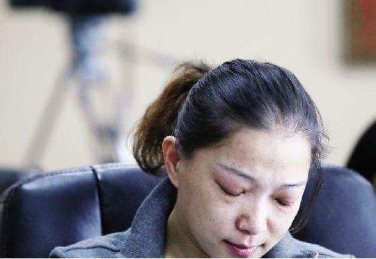 对周璐而言,接受孩子的肾是一个残酷的决定。 本报记者 原丽阳 摄