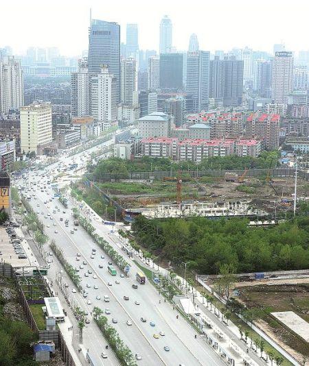 记者探访长江大道范湖段,提前感受这条景观大道新气象 记者朱熙勇摄