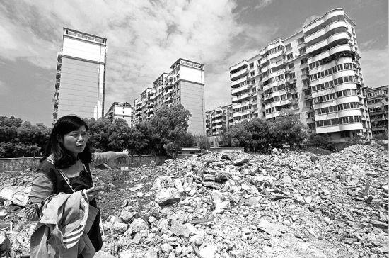 别墅已成一堆废墟