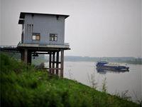 武汉局部水污染续:三水厂恢复生产 市民用水安全
