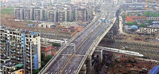 武汉机场第二高速全长16公里