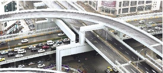 图为:机场第二高速姑嫂树立交