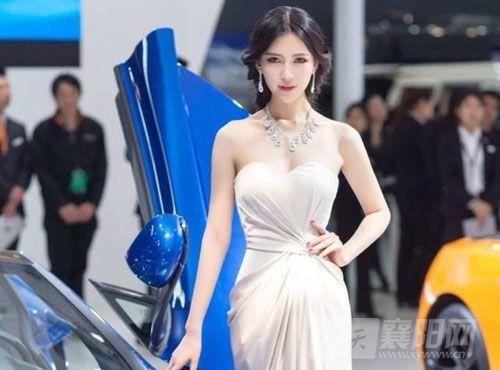 礹/&�-a:+�_美女模特朱雅娜走红18岁拿下湖北模特大赛冠军_新浪湖北资讯