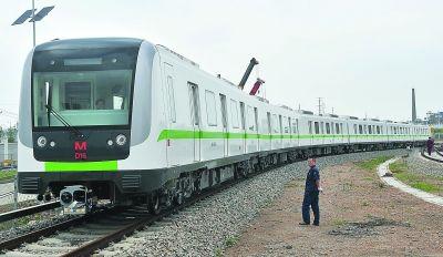 4号线二期首列列车抵汉 2列武汉造月底投入调试图片 21528 400x232