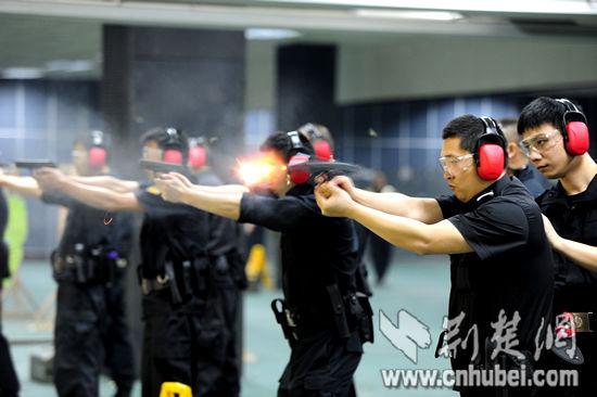 民警练习3-7米速射