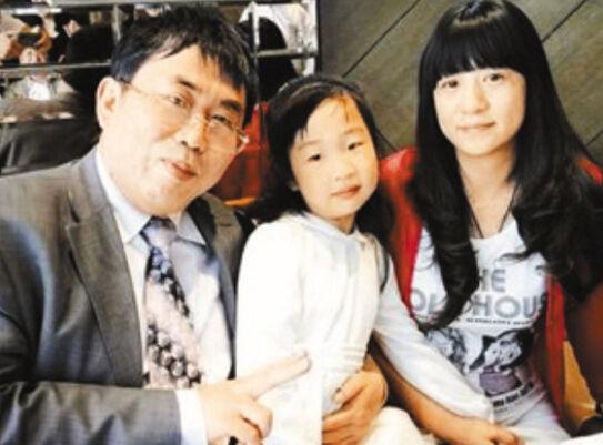 聂卫平、妻子兰莉娅、女儿聂云菲-盘点梅开三度的明星 聂卫平图片