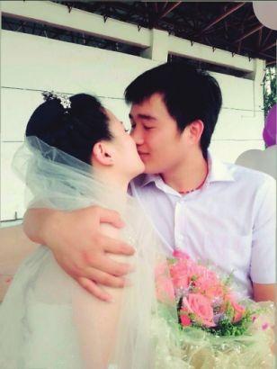 女辅导员与男学生结婚