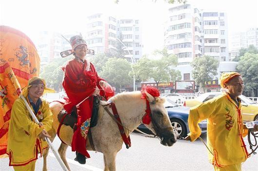 巴西新郎花轿迎娶黄石新娘