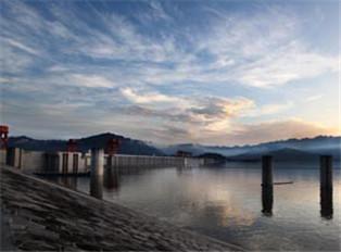 盛世峡江壮美大坝