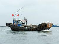 乐亭一渔船在渤海作业时翻沉 7人失踪