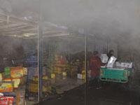 沧州批发市场突发大火 过火面积达8000平米