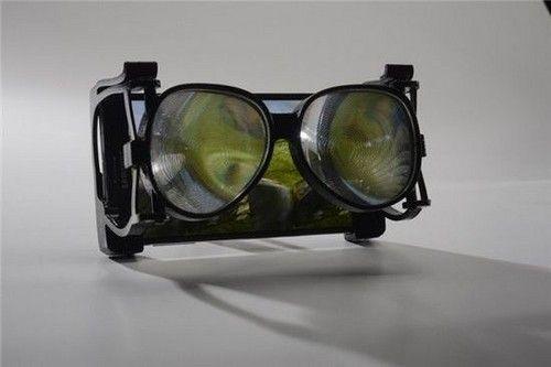 玻璃瓶底厚的虚拟现实眼镜:仅69美元