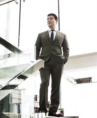 上市内衣品牌老板郑耀南:保安逆袭