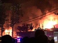 邯郸学院小吃一条街凌晨发生大火引发煤气爆炸