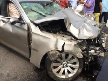 南京多车相撞现场惨烈 肇事宝马司机涉嫌毒驾