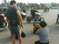红网:警民互跪,究竟跪来了什么?
