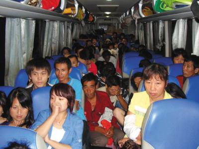 春运一周南京交警处罚数千辆超速超员车
