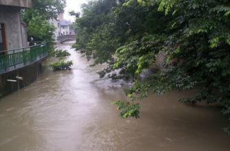 暴雨昨夜又杀回马枪 今天沿江苏南仍有暴雨