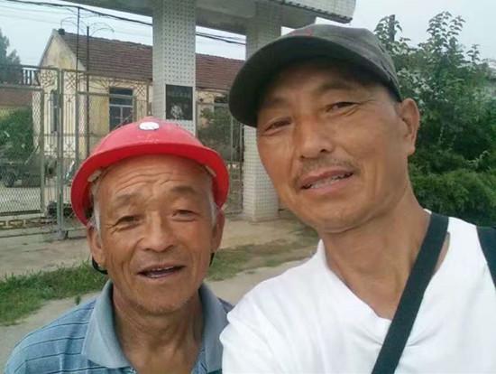聊城六旬记者徒步6000里采访红色文化 纪念长征胜利80周年
