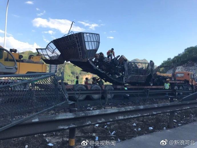 最新消息!河北张石高速隧道车辆燃爆已致12人死亡