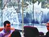 饭店喷水池成冰雕