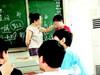 女教师打学生巴掌