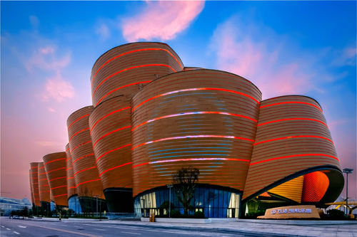 武汉一天点亮两大电影乐园汉秀暨电影文化盛大开业白象地标Bt图片